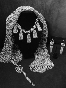 Blanche necklace, Mathilde earrings and Mahaut chainmaille bracelet MNJ
