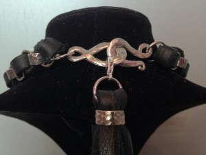STIRRUP 2.0 NECKLACE - BACK VIEW - MNJ